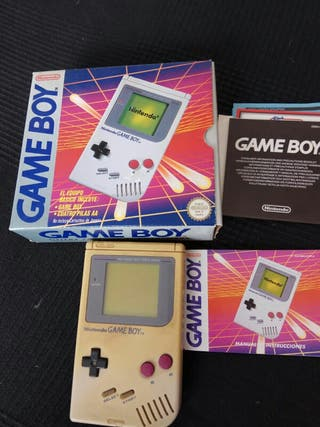 Gameboy original con Handy boy y juegos.