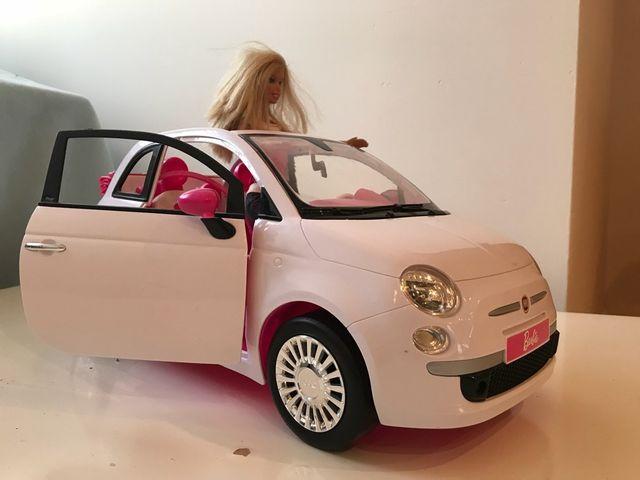 coche barbie fiat 500 de segunda mano por 20 en majadahonda en wallapop. Black Bedroom Furniture Sets. Home Design Ideas
