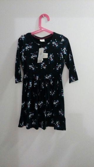 vestido de manga al codo talla 7 a 8 años nuevo