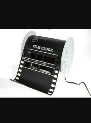 Reloj digital sobremesa