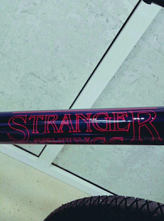 Stranger Things (cambio vespa)