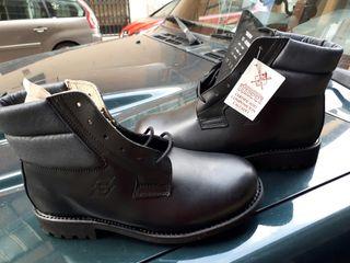 botas de trabajo, 4 patas y 2 pies Jaca