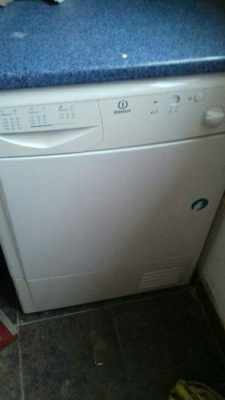 se vende secadora 7 kilos