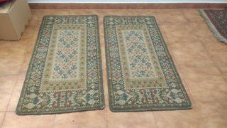 2 alfombras cama