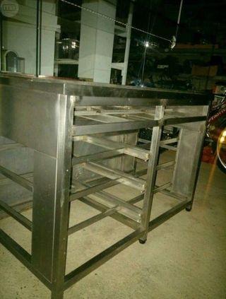 Mueble de acero inoxidable!Ideal para panaderia!
