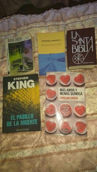 libros y biblia