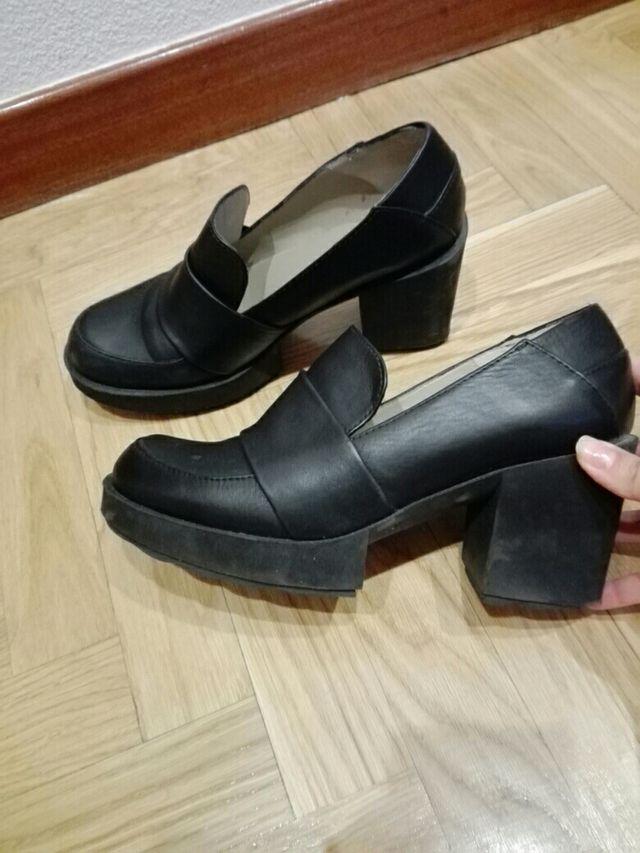 Zapatos mujer talla 39 de piel casi nuevos