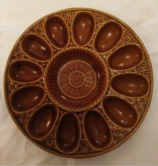 Plato vintage cerámica vidriada para huevos y salsa
