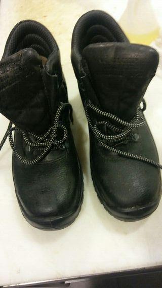 botas de hierro