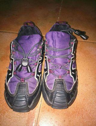 Zapatillas treking y REGALO