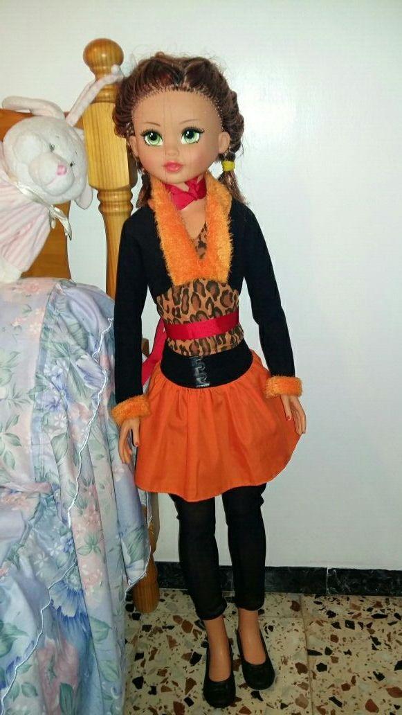muñeca tamaño grande