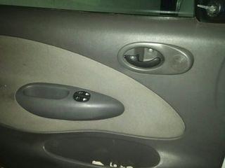 Ford Fiesta 1999 AVERIADO