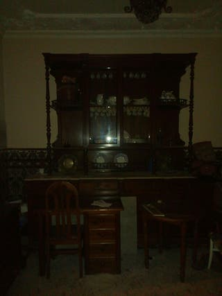 mueble antiguo de caoba