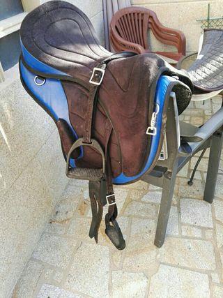 Silla raid montar caballo de segunda mano por 90 en alqueidon en wallapop - Silla montar caballo ...