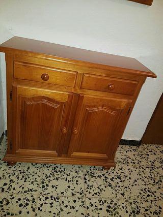 Mueble provenzal con espejo