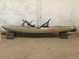 Kayak native a pedales