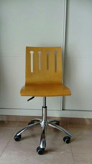 silla escritorio de ruedas de madera
