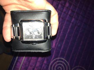 Reloj Lotus precioso
