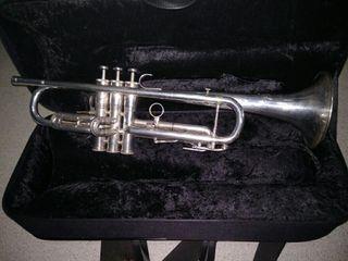 Trompeta Besson International