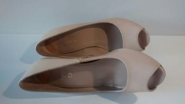 Zapatos Lodi color nude talla 37