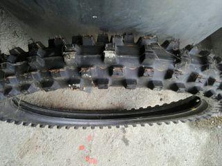 Neumatico Dunlop D773