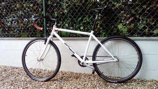 bicicleta fixed montada a piezas