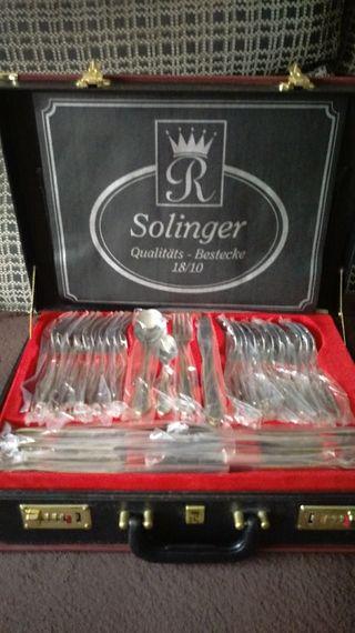Cubertería Solinger 75 piezas