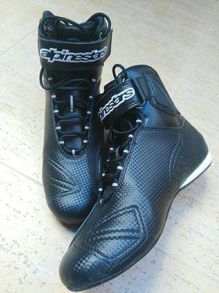 zapatillas moto Alpinestars