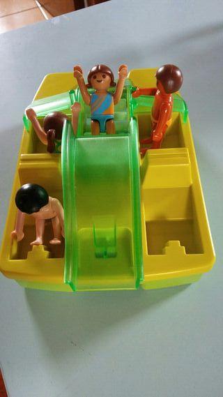 playmobil. pedalo con 4 niños.