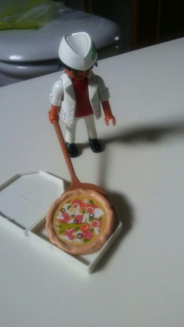playmobil. pizzero.