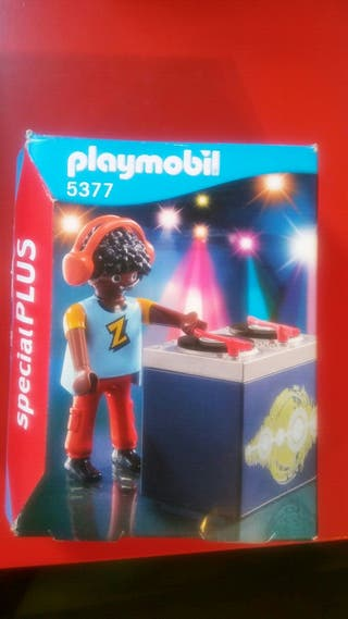 playmobil. dj mezclando musica