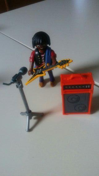 playmobil. Musico negro con guitarra...
