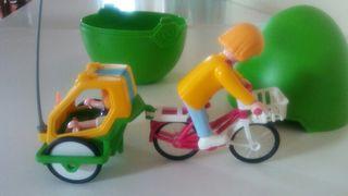 playmobil. huevo con bici y remolque