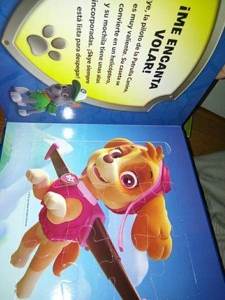 peluche patrulla canina y libro puzzle