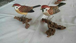 Aves de madera talladas