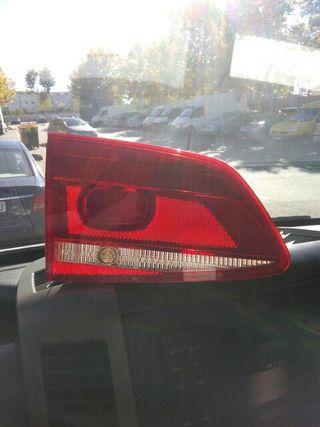 Piloto trasero izquierdo Volkswagen Passat 2014