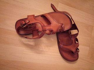sandalias de cuero artesanas compradas en México