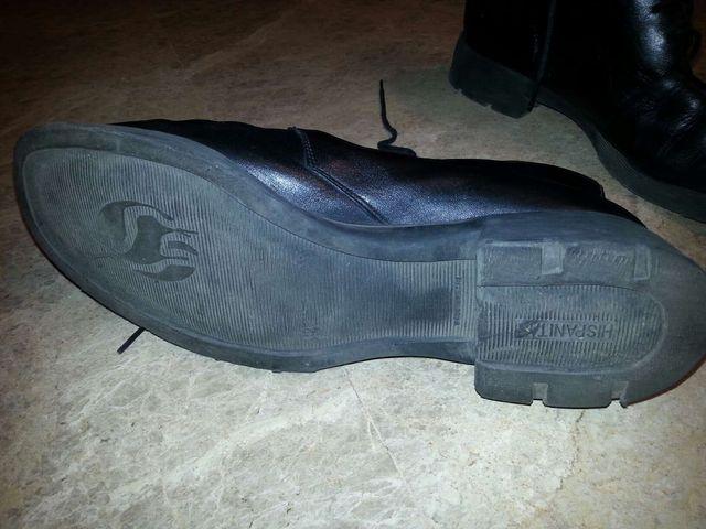 Zapatos botas de piel marca Hispanitas número 40. Bien conservadas