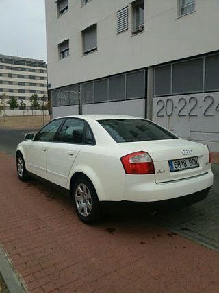 Audi A4 Unico proprietario con LIBRO de Mantenimie