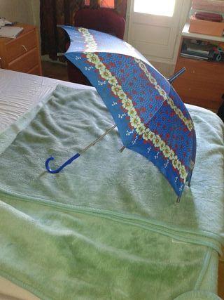 Paraguas nina