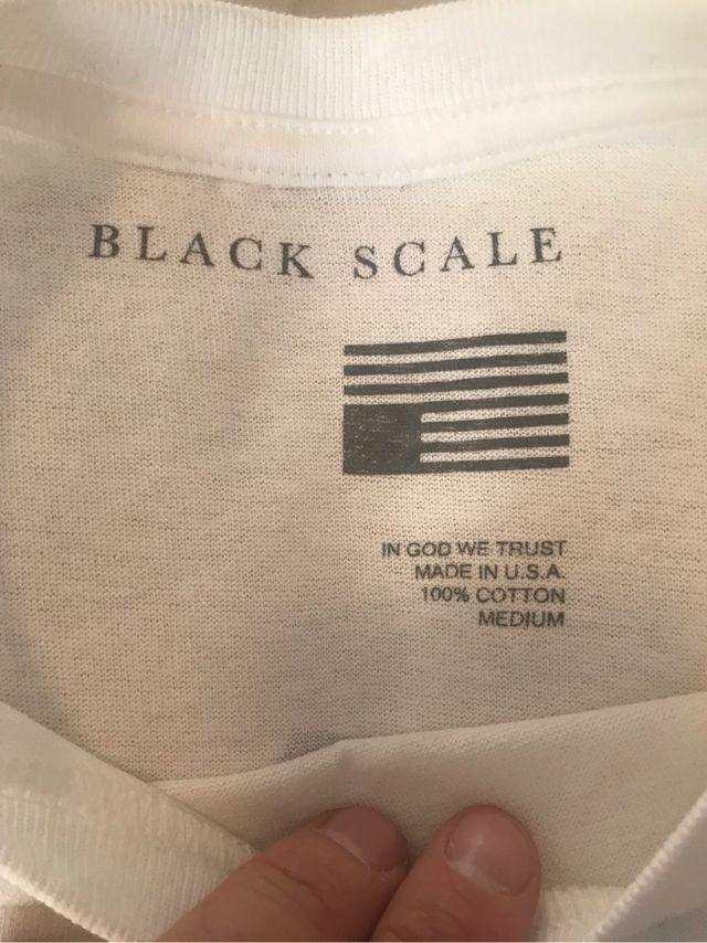 Camiseta black scale