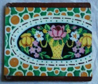 Antiguo azulejo, baldosa diseño floral
