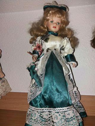 muñeca de porcela