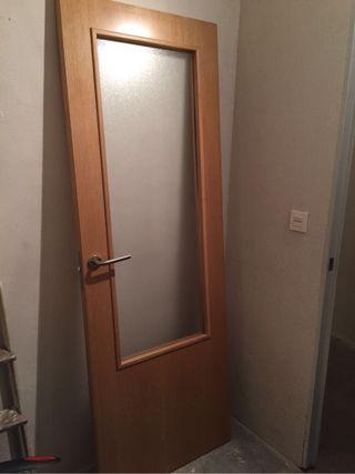 Puertas de madera con cristal de segunda mano en wallapop for Puertas de madera exterior de segunda mano
