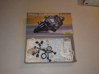 Yamaha YZR-M1 2005 escala 1/24