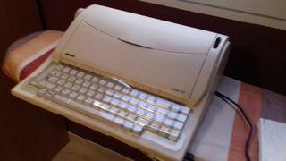 Maquina electrica de escribir OLIVETTI