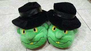 Zapatillas muñeco bruja