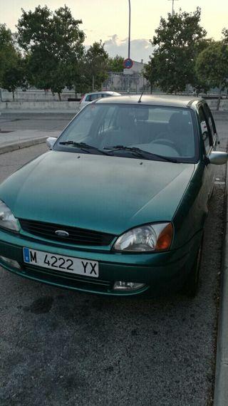 Ford Fiesta vendo las ruedas y regalo el coche.