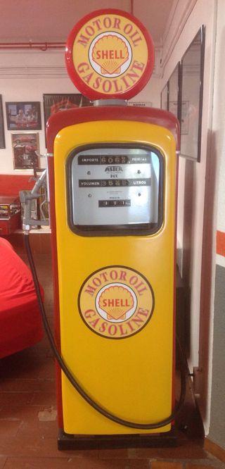 Surtidor antiguo gasolina