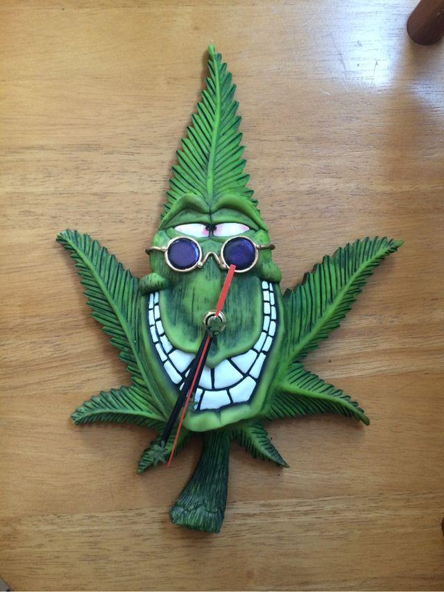 Reloj de pared marihuana